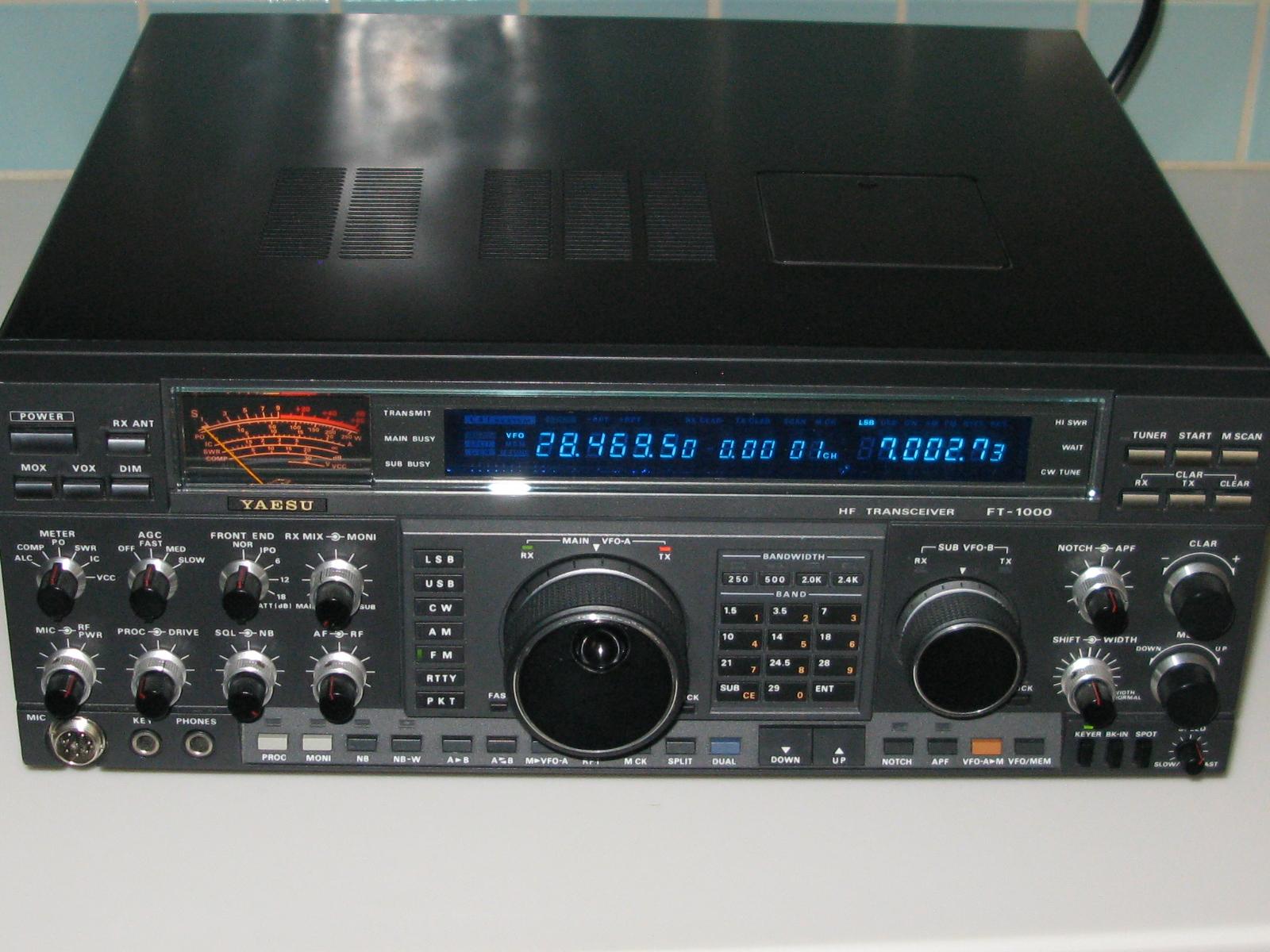 FT-1000D blue display 003 (1).JPG