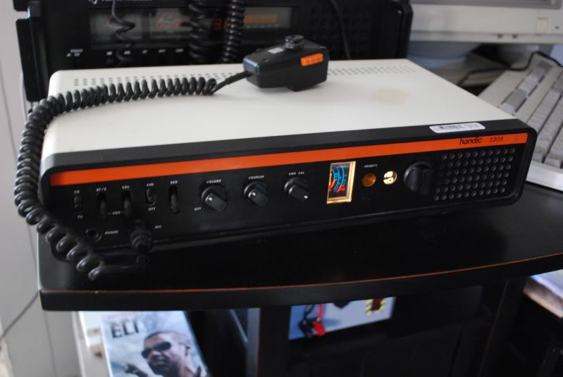 Handic 2305 23 Channel CB Base.jpg
