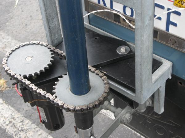 Rotor for 440 Mhz yagi on a Land Rover.  Rotor quick disconnects from the vehicle.