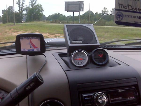speaker and Digital Voltmeter