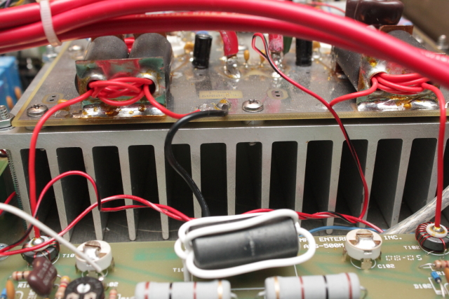 PA output on heatsink to combiner board