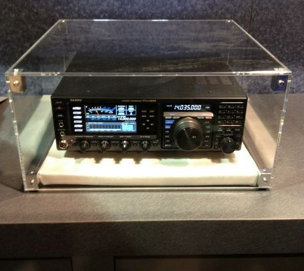 Yaesu FT-DX3000 at Dayton