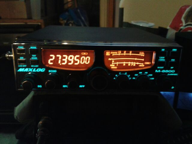br9200 dark pic, worked ok just kind of disappointed the knobs felt crummy and the receive had adjacent channel rejection issues, if I turned the RF Gain down it went deaf,