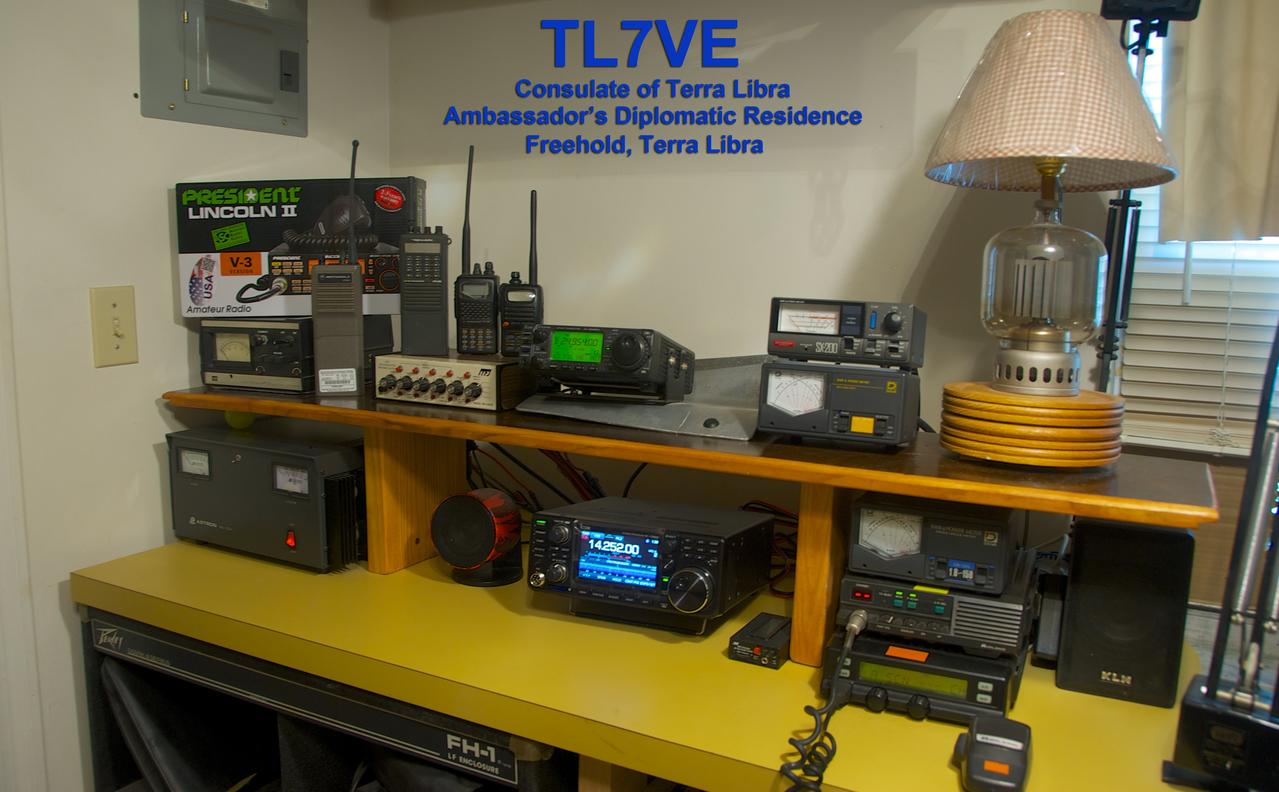 TL7VE Radio Room (2017)